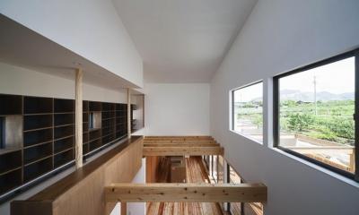 吹き抜け部分-LDKを見下ろす|『須坂の家』大きな吹抜けと大きなテラスの住まい