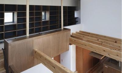吹き抜け・図書コーナー|『須坂の家』大きな吹抜けと大きなテラスの住まい
