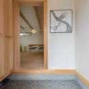 砂利洗い出し床の玄関ホール