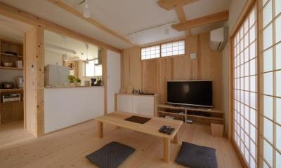 『B/storage』本がたくさんあるシンプルな木の家 (ウッディな和風LDK)