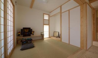 『B/storage』本がたくさんあるシンプルな木の家 (リビング内畳コーナー)