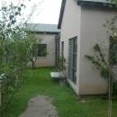 緑屋根の家外観