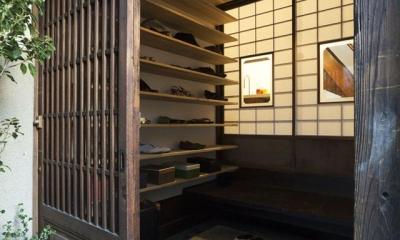 古民家の家/Traditional Japanese House with Modern Interior (靴収納たっぷりの和風玄関)