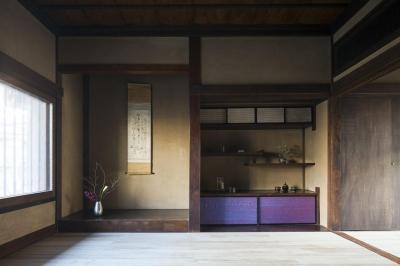 和を想わせる空間 (古民家の家/Traditional Japanese House with Modern Interior)