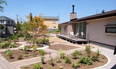 『O-house』L字型の住まい (南側テラスと大きな庭)