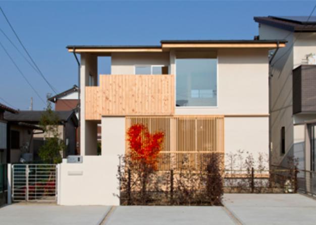 『丹羽の家』ヒノキ造りの柔らかな表情の家 (木目美しい和風外観)