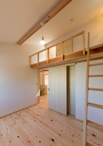『天白の家 XI』のびのび暮らす住まいの部屋 ロフト付きの子供部屋