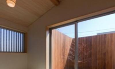北の庭とつながる和室|『天白の家 XI』のびのび暮らす住まい