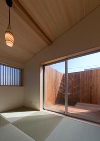 『天白の家 XI』のびのび暮らす住まいの部屋 北の庭とつながる和室