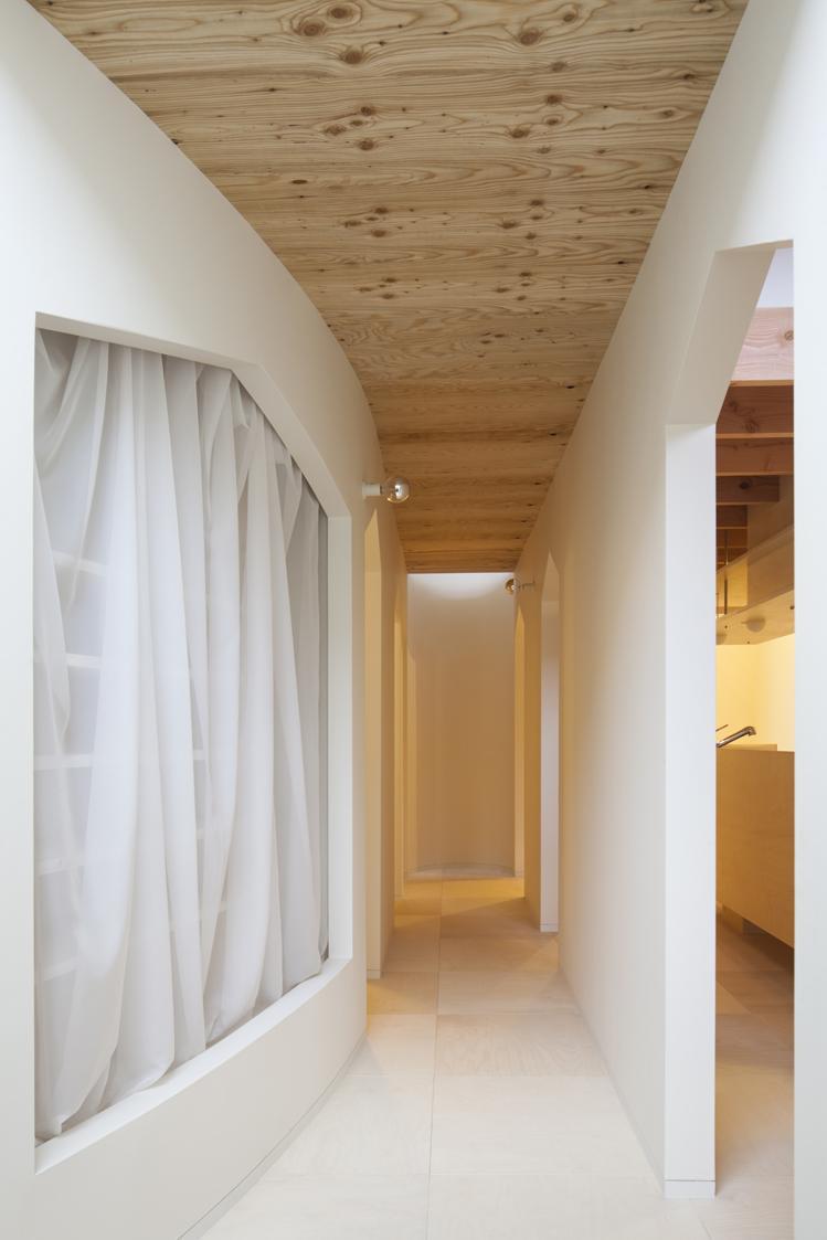 『Moon』柔らかくて優しい住まいの部屋 各部屋とつながる廊下