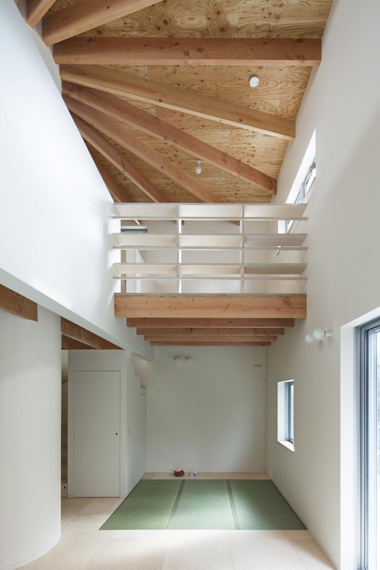 『Moon』柔らかくて優しい住まいの部屋 吹き抜けリビング・畳スペース