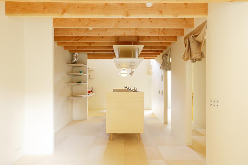 『Moon』柔らかくて優しい住まいの部屋 温かな光に包まれたキッチン