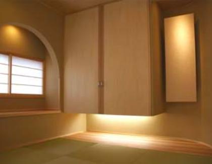 『谷保の家』木と漆喰の家の部屋 和室