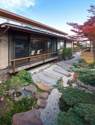 『OK-house』アメリカンブラックチェリーの家の部屋 外観・和風庭園