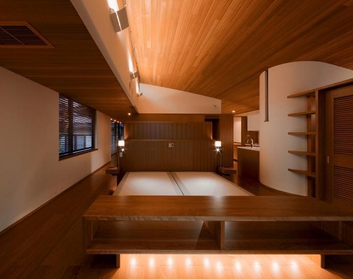 『OK-house』アメリカンブラックチェリーの家の部屋 赤い木目の落ち着くベッドルーム