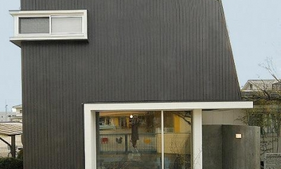 『TN-house』チョコレートケーキの家 (洋菓子店-店舗入口)