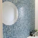 トイレのモザイクタイル壁