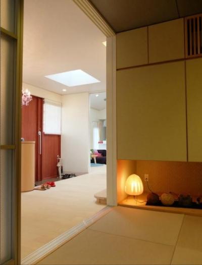 『Circle』照明が空間を作り出す住まい (玄関ホールからつながる和室)