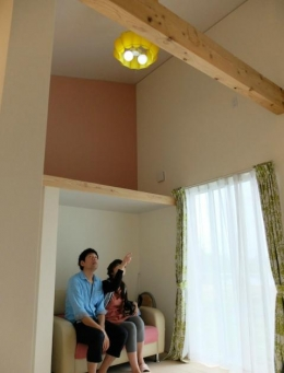 『Circle』照明が空間を作り出す住まい (ペンダントライトがアクセントの子供部屋)