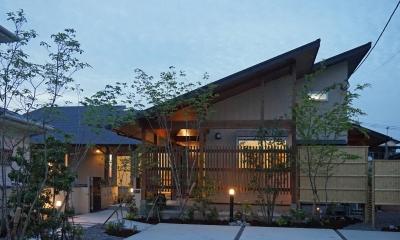 ~深い軒の外部空間を楽しむ『大屋根の美しい家』