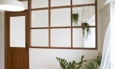 無骨リッチ (寝室入口・室内窓)