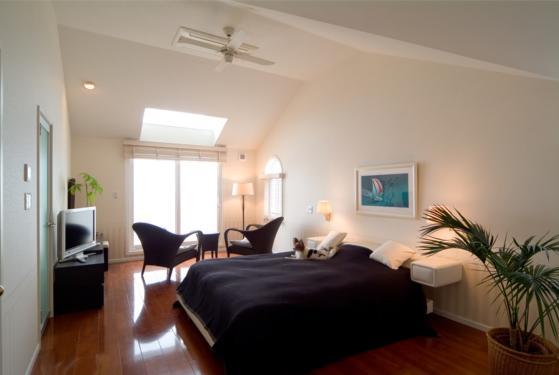 『Akiya House』海沿いの家の写真 海が見えるベッドルーム