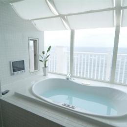 『Akiya House』海沿いの家-海が見えるバスルーム