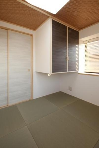 網代天井の和室 (『目黒の家』シンプル&クールな住まい)