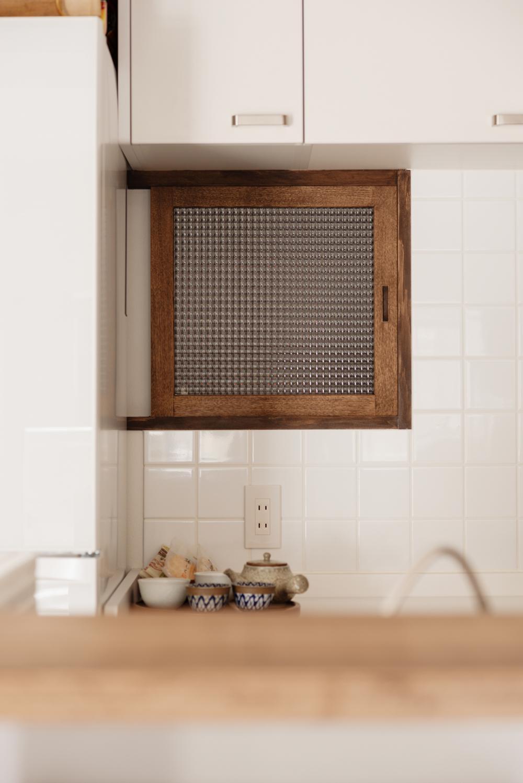 K邸・最大限の空間を確保した上質なインテリアの写真 パリのアパルトマン風室内窓