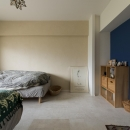 M邸・子供も大人も楽しく安心に暮らす家の写真 柔らかな雰囲気のベッドルーム