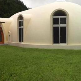 『ドームハウス』木造らしい内部空間 (ドームハウス外観)