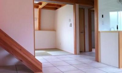 『ドームハウス』木造らしい内部空間 (畳コーナー)