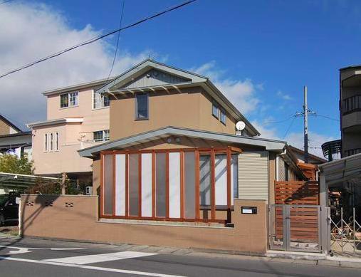 『停止線前の家』昭和の香りを残すバリアフリー住宅リノベの写真 趣きのある外観