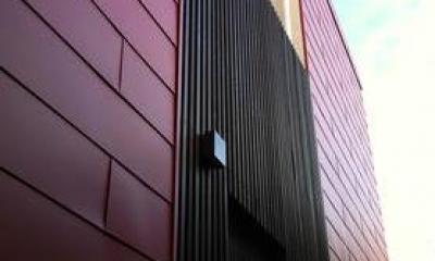『赤備えの家』プライバシーを守る住まい