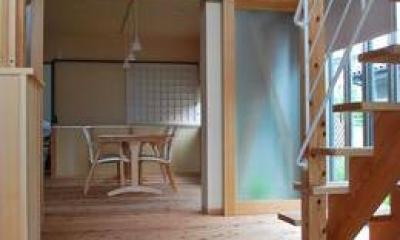 『つなぐ家』自然素材をふんだんに使った住まい (家族をつなぐスキップフロア)