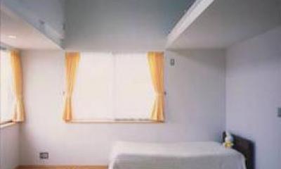 『スチールエコハウス#1』高性能住宅 (天井の高い明るい子供部屋)