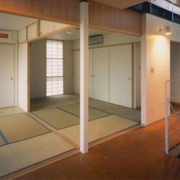 『ライト・BOX』古民家の良さを受け継ぐ近未来的な住まい (2階和室)