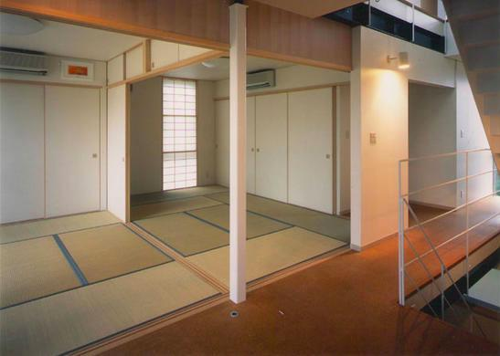 『ライト・BOX』古民家の良さを受け継ぐ近未来的な住まいの部屋 2階和室