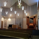 『花園キリスト教会』木製パイプオルガンと調和した礼拝堂