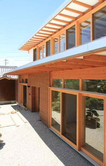 『ながらはうす』眺望のすばらしい二世帯住宅の写真 ながらはうす外観-2