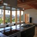 『ながらはうす』眺望のすばらしい二世帯住宅の写真 見晴らしのいい2階キッチン