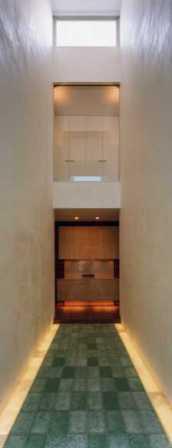 『G-BOX』シンプルモダンスタイリッシュな住まいの写真 吹き抜けの玄関ホール