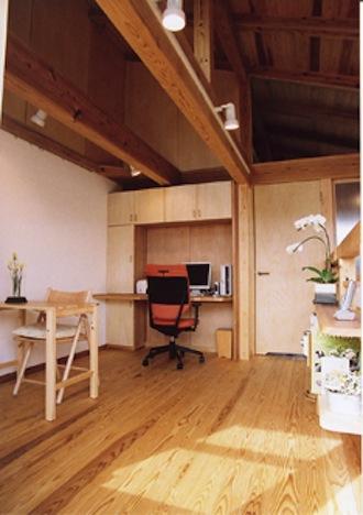 『石川町の家』狭小地の立地を生かした住まいの部屋 2階多目的ルーム