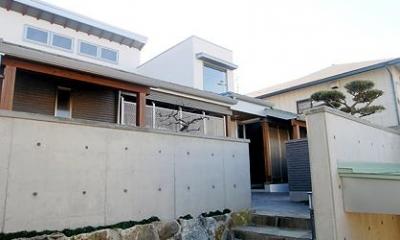 『三つ屋根の家』開放感と一体感に溢れる住まい