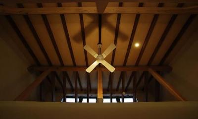 リビングダイニング天井|『三つ屋根の家』開放感と一体感に溢れる住まい