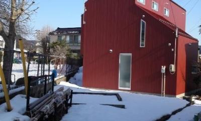 『青海町の家』スタイリッシュなアトリエ兼用住宅 (赤い家外観)