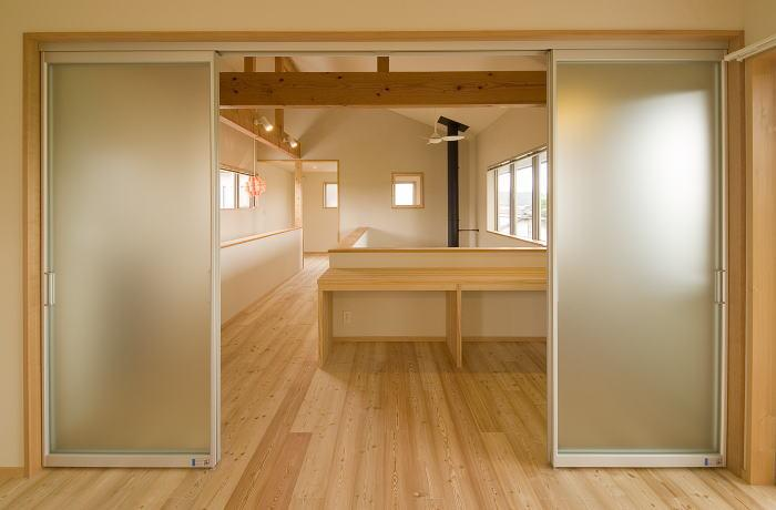 建築家:山口晴江&山口一「『御宿の家A邸』家族と共に時を刻む住まい」