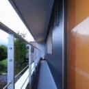 『御宿の家A邸』家族と共に時を刻む住まいの写真 一直線のベランダ