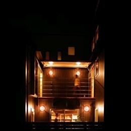 『間口2間の家』-1階渡り廊下・2階デッキ-2