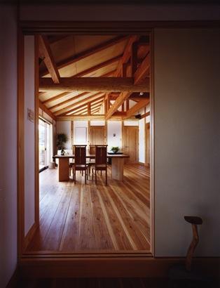 『薪塀の家』工夫一杯のローコスト4世代住宅の部屋 親世帯LDK